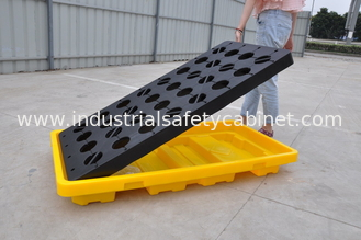 China Polyethylene Spill Containment Pallets With Drains For Oil Drums / Chemical Barrels supplier