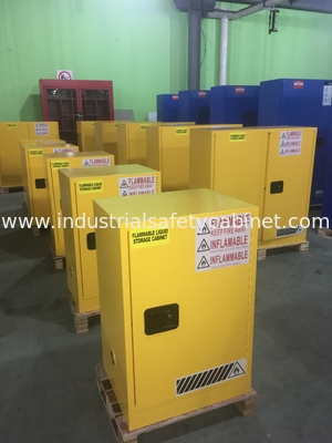Laboratory Paint Storage Flammable Safety Cabinets For Oil Station , Long Life